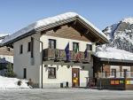 Italský apartmánový dům Chalet La Golp v zimě